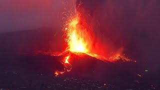 Canary Islands volcano: Fresh earthquakes prompt further evacuations
