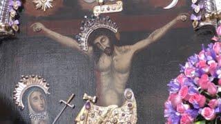 La covid impide la procesión del Señor de los Milagros pero no diezma la fe de los devotos peruanos