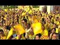 """Couronné, le roi de Thaïlande appelle à """"l'unité"""" depuis son balcon"""