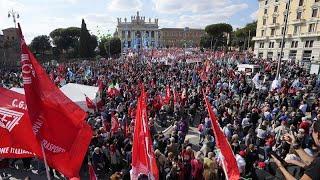 Nach Neo-Nazi-Angriff auf Gewerkschaft: Zehntausende demonstrieren in Rom gegen Faschismus