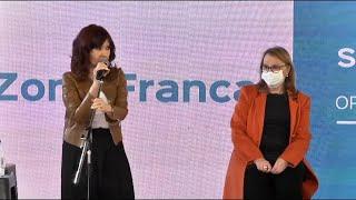 """Cristina Fernández inauguró zona franca de Santa Cruz y revindicó defensa del """"patrimonio"""" nacional"""