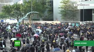 Hong Kong : la police réagit aux cocktails Molotov avec des canons à eau