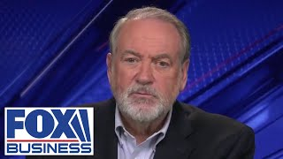 Mike Huckabee pushes back against Biden on vaccine status