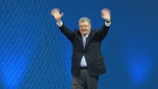 Poroshenko tacha a Zelenski de incompetente y débil ante Rusia