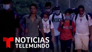 La caravana migrante llega a la frontera con Guatemala | Noticias Telemundo