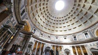 """Natale di Roma: gli """"effetti speciali"""" della luce solare sul Pantheon"""