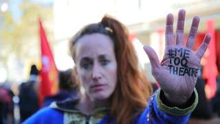 La ola de denuncia #MeTooTeatro salta en Francia de las redes a la calle