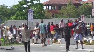 Violences au Nigeria : le président Buhari demande aux jeunes d'arrêter de manifester