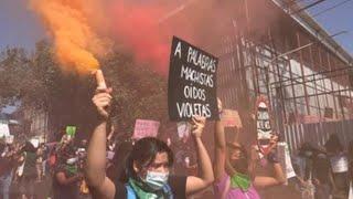 Periodistas salvadoreñas se suman a manifestación para exigir medios libres de acoso