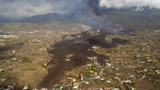 El monstruo de lava de La Palma amenaza con devorar las plantaciones de plátanos canarios