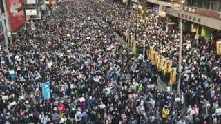 La marea negra vuelve a tomar las calles de Hong Kong