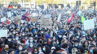 Manifestation pour les libertés et contre la loi Sécurité globale à Paris