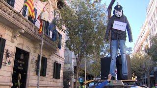 Taxistas se manifiestan en Barcelona para pedir ayudas al sector