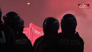 Scontri a Milano tra manifestanti e polizia: assalto al palazzo della Regione Lombardia