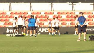 AJAX El Valencia CF prepara el partido de Champions ante el Ajax