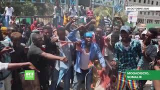 Somalie: les manifestants brûlent le drapeau français et appellent à boycotter les produits français