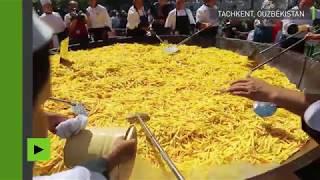 ROUGH RICE Le plus grand riz pilaf du monde, huit tonnes, préparé en Ouzbékistan