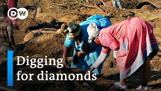 Diamond rush grips village in South Africa | DW News