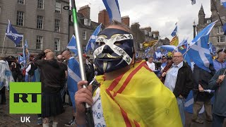Thousands march for an independent Scotland