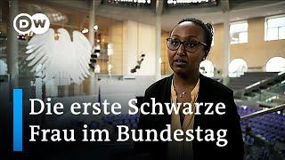 Awet Tesfaiesus ist die erste Schwarze Frau im Bundestag | DW Nachrichten