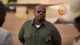Cible de la contestation au Mali, le fils du président Keïta quitte un poste clé