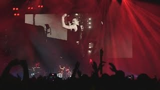 Depeche Mode viaja a los 90 en su concierto de Madrid