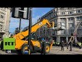 Police bring in JCB to bring down Extinction Rebellion structure blocking Oxford Circus
