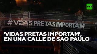 Pintan un mural de 'Las vidas negras importan' en una calle de Sao Paulo