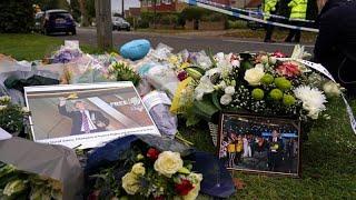 Le Royaume-Uni rend hommage au député assassiné, David Amess
