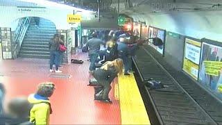Argentine : sauvetage in extremis d'une femme tombée sur les rails du métro