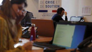 Во Франции отменили школьные экзамены