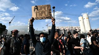 Mort d'Adama Traoré : des milliers de manifestants se rassemblent à Paris