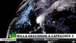 El huracán Willa se aproxima a México y desciende a categoría 3